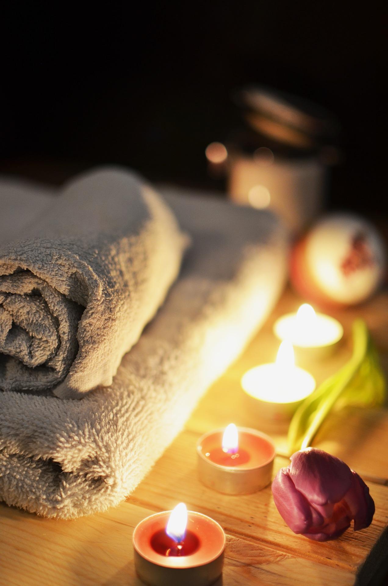 Massage des 5 continents qui associe l'énergie du Reiki/magnétisme et les huiles essentielles.